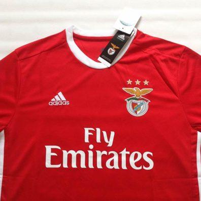 Camisola Benfica Principal 2019/2020 foto real
