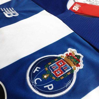 Camisola FC Porto 2019/2020 Principal emblema