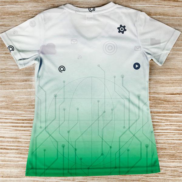 T-shirt profissão/curso Engenheira Informática costas
