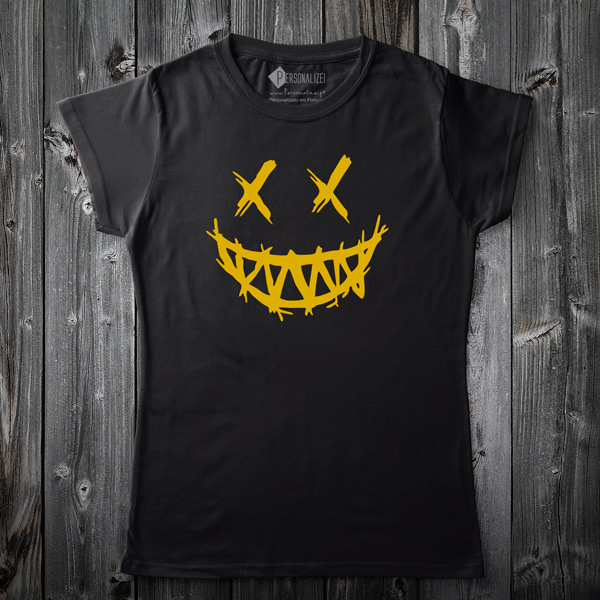T-shirt Dark Smile preta para mulher