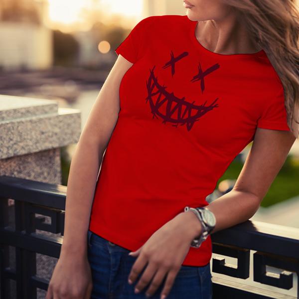T-shirt Dark Smile feminina